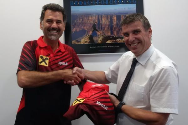 Raiffeisenbank Region Eferding sponsert Black Panthers T-Shirts